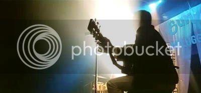 http://img.photobucket.com/albums/v252/BollyNuts/Vaaranam%20Aayiram/3song01.jpg