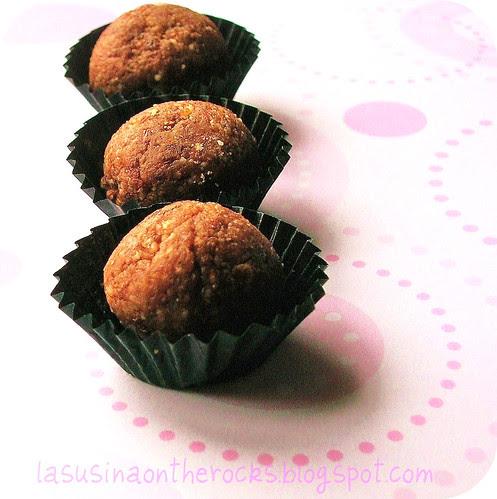 Bon Bon al cioccolato e frutta secca