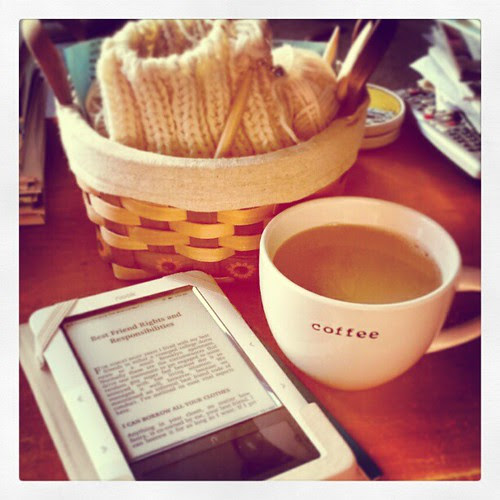 Good Sunday Morning! #coffee #knitting #nook @mindykaling #relax #lazyday