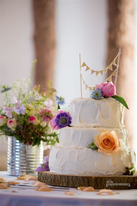 Wedding Ideas & Inspiration for Easter Wedding Cakes