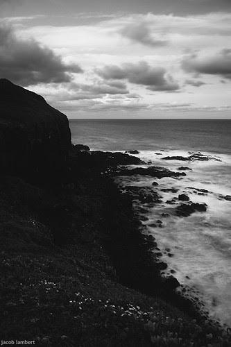 b+w vert cliffs
