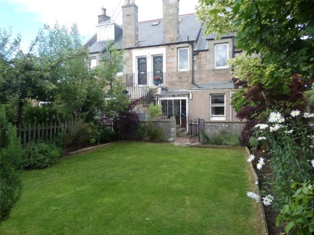 2 bedroom Flat to rent in Gilmerton Road Edinburgh EH17