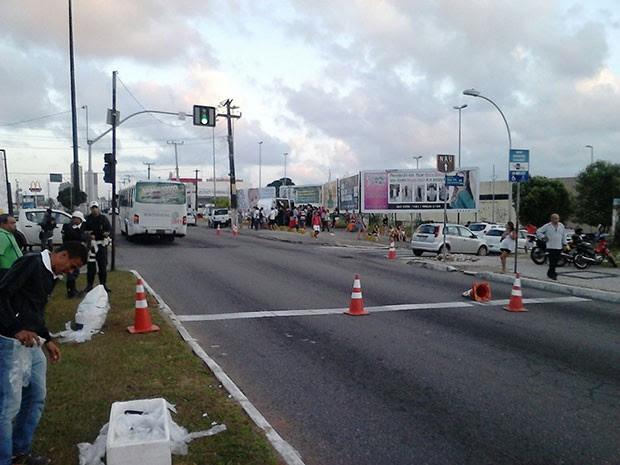 Blitz aconteceu na Avenida Engeheiro Roberto Freire, na Zona Sul (Foto: Divulgação/Polícia Militar do RN)