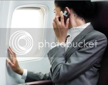 blog-sphere.blogspot.com - Mengapa Tak Boleh Nyalakan Ponsel di Pesawat?