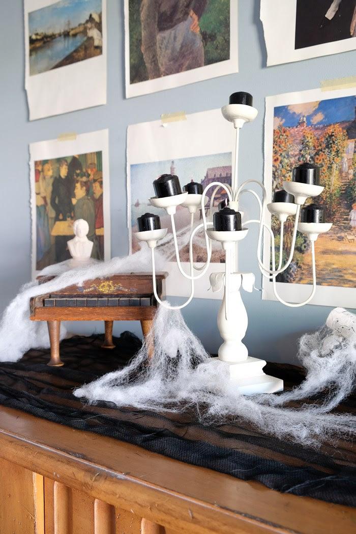 Via Boxy Colonial DIY halloween decorations