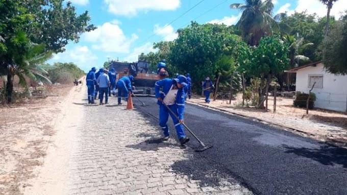 Governo do Estado realiza capeamento asfáltico na RN-160, na comunidade de Serrinha, em Ceará-Mirim