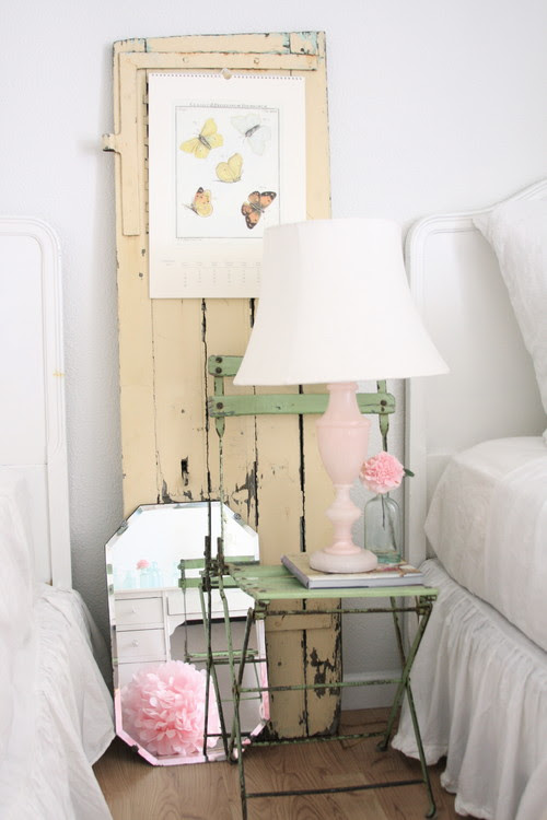 Nightstand Faffing ~ What's on your bedside table?