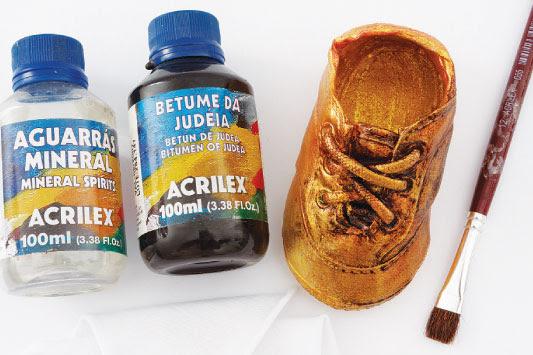 boya-akrilik-metalik-ayakkabi-yenileme