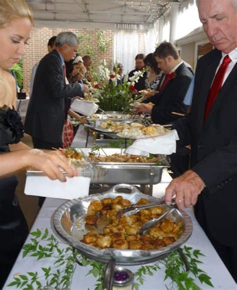 5 Ways to Cater Your Wedding