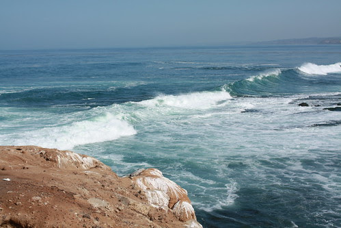 waves at la jolla cove