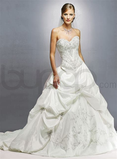 ivory wedding gowns with sweetheart necklines   Tulle