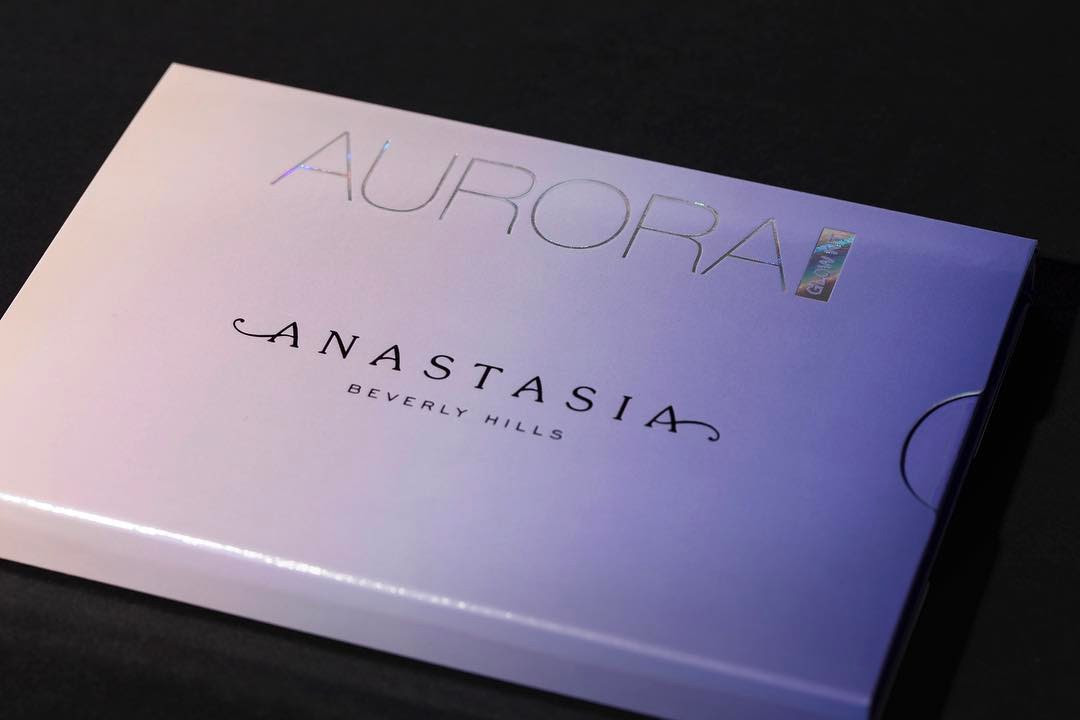 Anastasia Beverly Hills Aurora Glow Kit Swatches