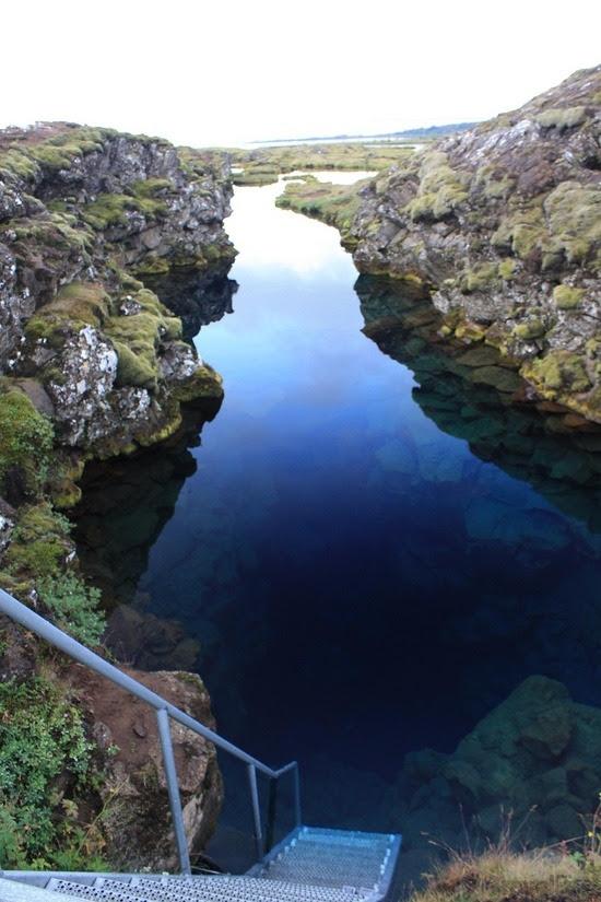 perierga.gr - Silfra: Κολυμπώντας ανάμεσα σε δυο ηπείρους!
