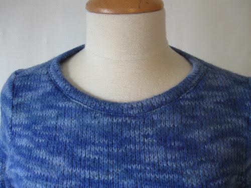 NL 6160 T-shirt sweater neckline