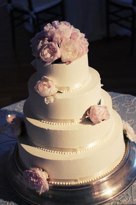 25 Jaw Dropping Beautiful Wedding Cake Ideas   Weddbook