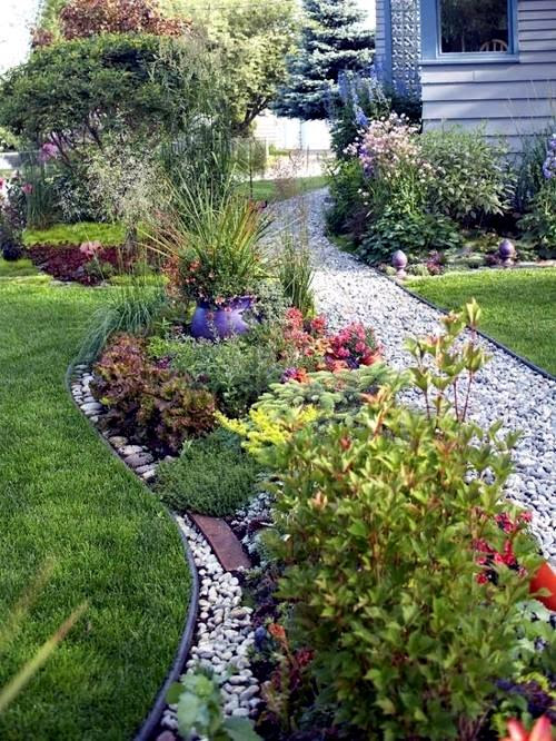 Front garden design with gravel - you want to give a ...