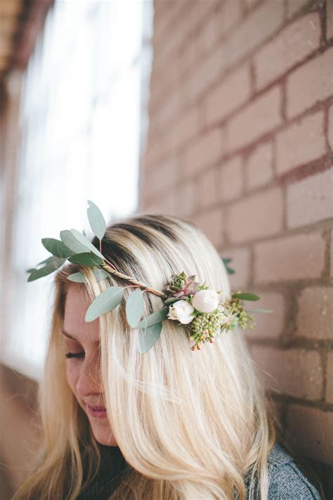 How To: DIY an Easy Asymmetrical Flower Crown for