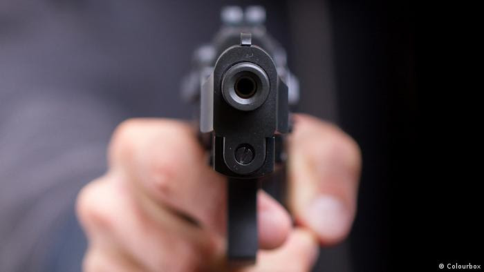 Symbolbild Waffe Pistole Revolver (Colourbox)