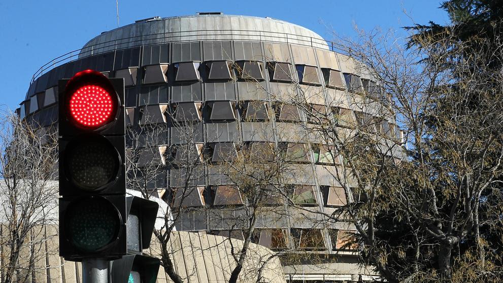 El TC permite la investidura de Puigdemont pero la condiciona a que regrese a España