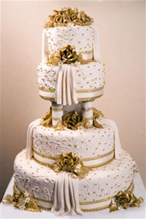 Mouth Watering Huge Wedding Cakes