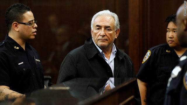 Mercoledì CFR.org Roundup: le pressioni degli Stati Uniti Strauss-Kahn a dimettersi