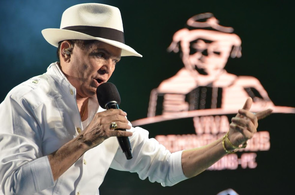 Alcymar Monteiro se apresenta em Remígio (Foto: Edson Fernandes/Secom)