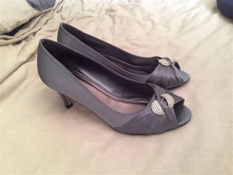 Dark grey shoes for my ravenclaw bridesmaid   When I Get
