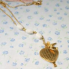 indie fixx balloon necklace