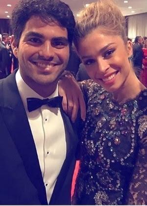 Grazzi Massafera ao lado do namorado, o empresário Patrick Bulus, no Emmy Internacional