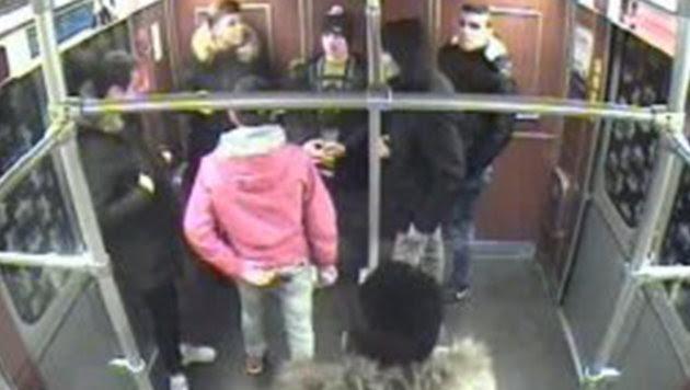 Obdachlosen angezündet: Verdächtige stellten sich (Bild: Polizei Berlin)