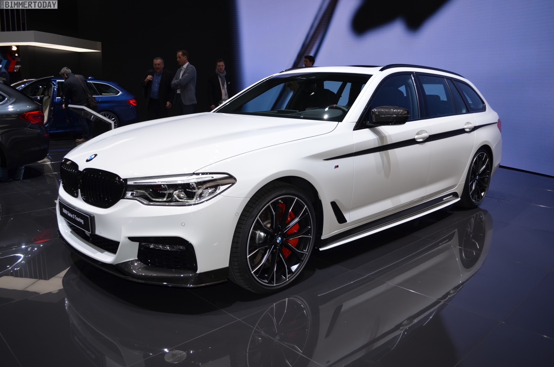 2017 Geneva: BMW 5 Series Touring debuts with M Performance Parts