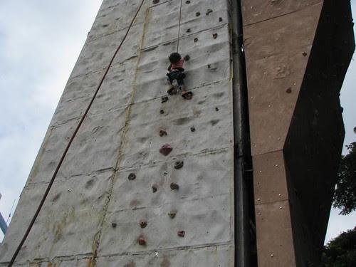 Climbing_Wall_Bangalore_kid_1