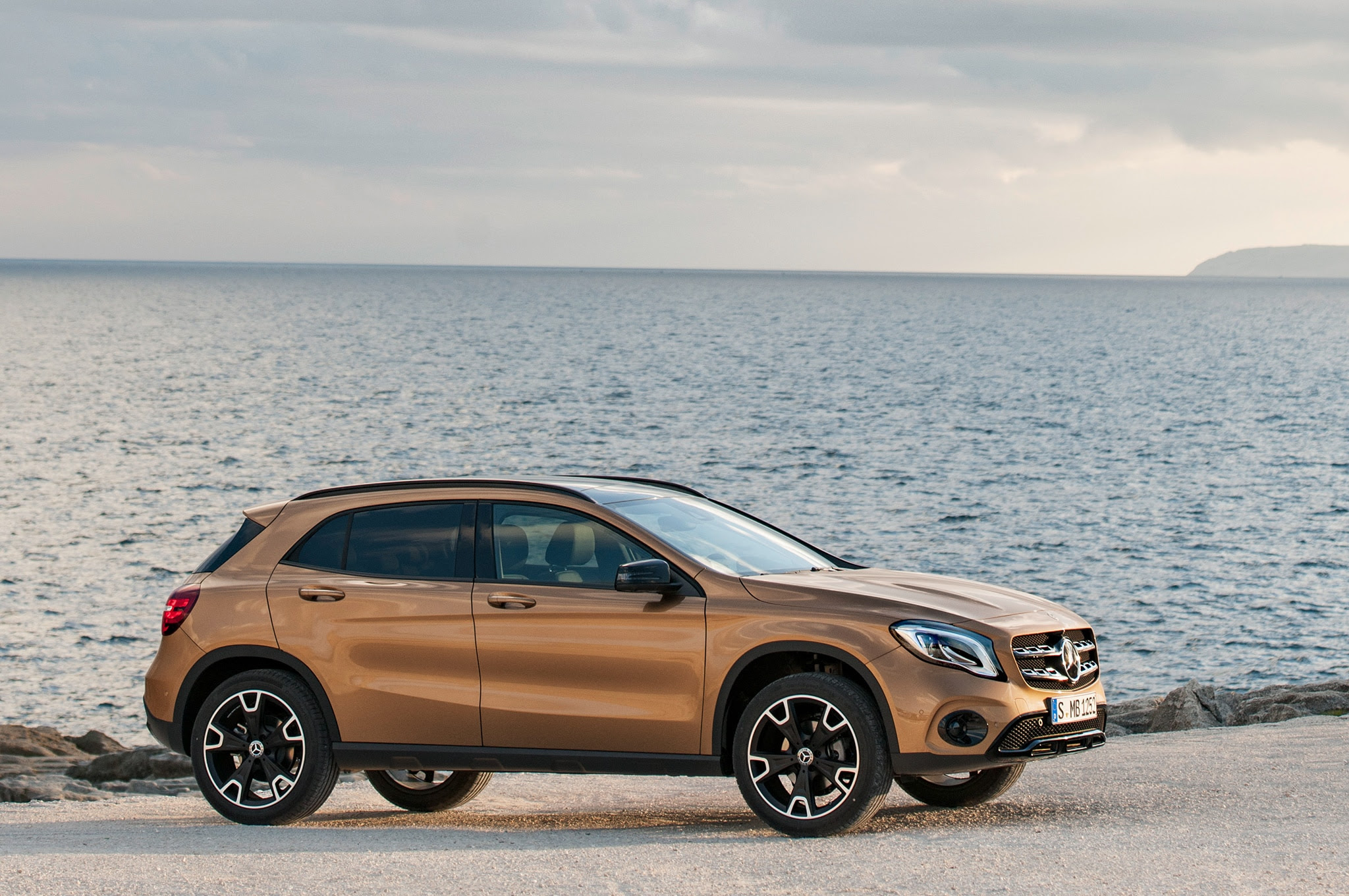 2018 Mercedes-Benz GLA-Class First Look | Automobile Magazine