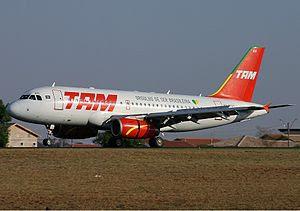 TAM Airbus A319
