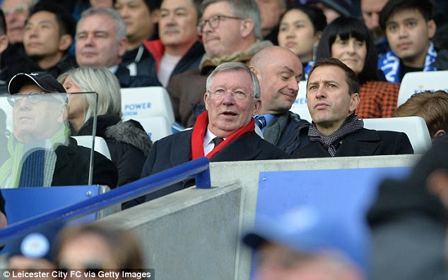 Sir Alex Ferguson (centre) watches on as Manchester United beat Leicester