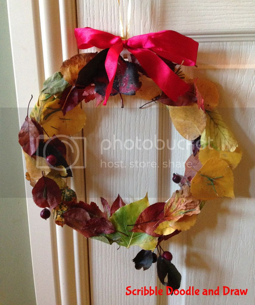 fall kids craft made with leaves