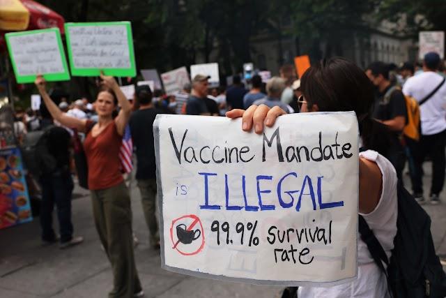 Los mandatos de vacunas para viajar son legales en los EE. UU., Y probablemente vendrán más
