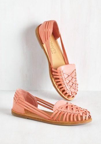 ☆ http://www.modcloth.com/shop/shoes-flats/heart-skipped-a-beach-flat ☆ https://es.pinterest.com/iolandapujol/pins/ ☆ @iola_pujol/