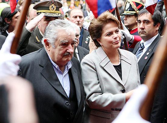 Presidente uruguaio, José Mujica, ao lado da presidente Dilma Rousseff em Montevidéu