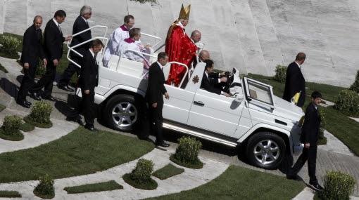 El Papa inicia Semana Santa entre crisis eclesial por pederastia