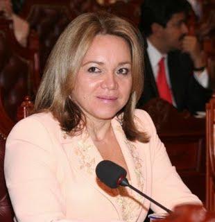 Claudia Rodríguez de Castellanos, senadora y pastora