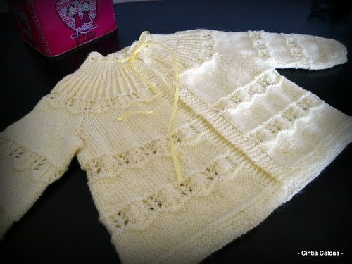 meu primeiro casaquinho de trico by ❤ Cíntia Caldas ❤
