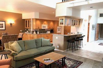 Pacific Northwest Style Stoneridge Townhomes
