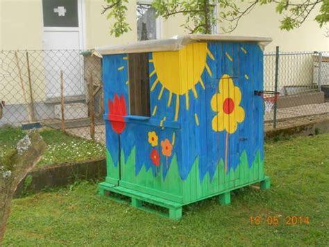 spielhaus fuer kinder oder recyceln von paletten