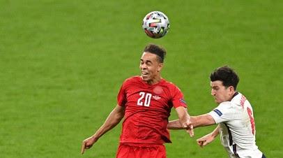 Маккели не назначил пенальти в ворота Дании на 73-й минуте