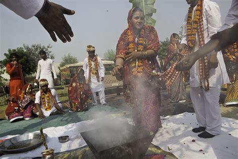 Group Wedding Ceremony Includes Widows   Pulitzer Center