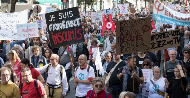 Los manifestantes marchan durante una manifestación del partido 'France Insoumise' contra las reformas laborales del gobierno en París, Francia. REUTERS / Philippe Wojazer