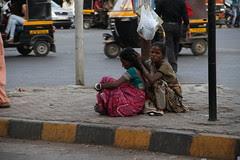 killing lice is another great indian poor woman time pass by firoze shakir photographerno1