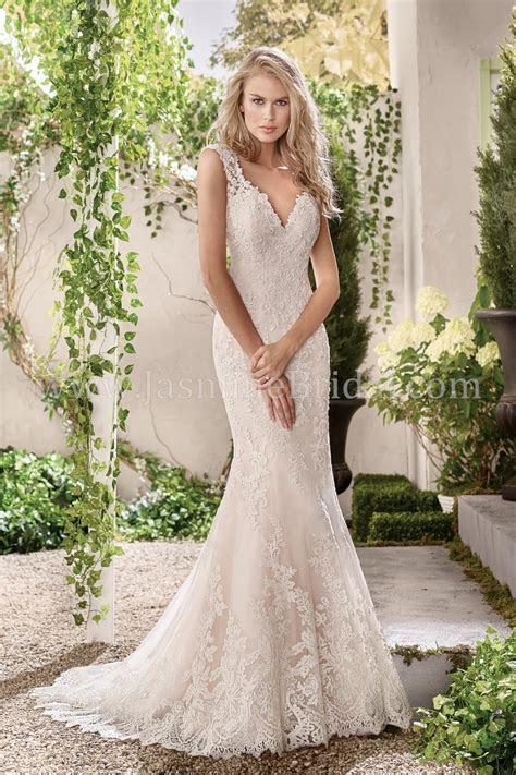 F191011 V neck Lace & Tulle Fit & Flare Wedding Dress