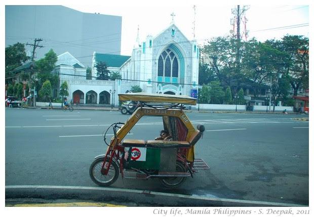 City life, Rizal Park, Manila - S. Deepak, 2011